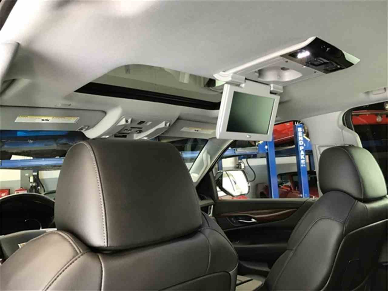 Large Picture of 2016 Cadillac Escalade - KQ6S