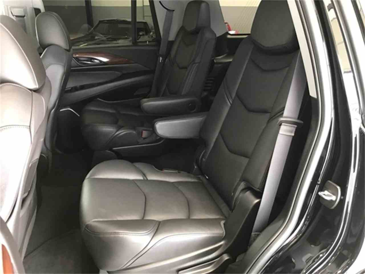 Large Picture of 2016 Cadillac Escalade located in Michigan - KQ6S