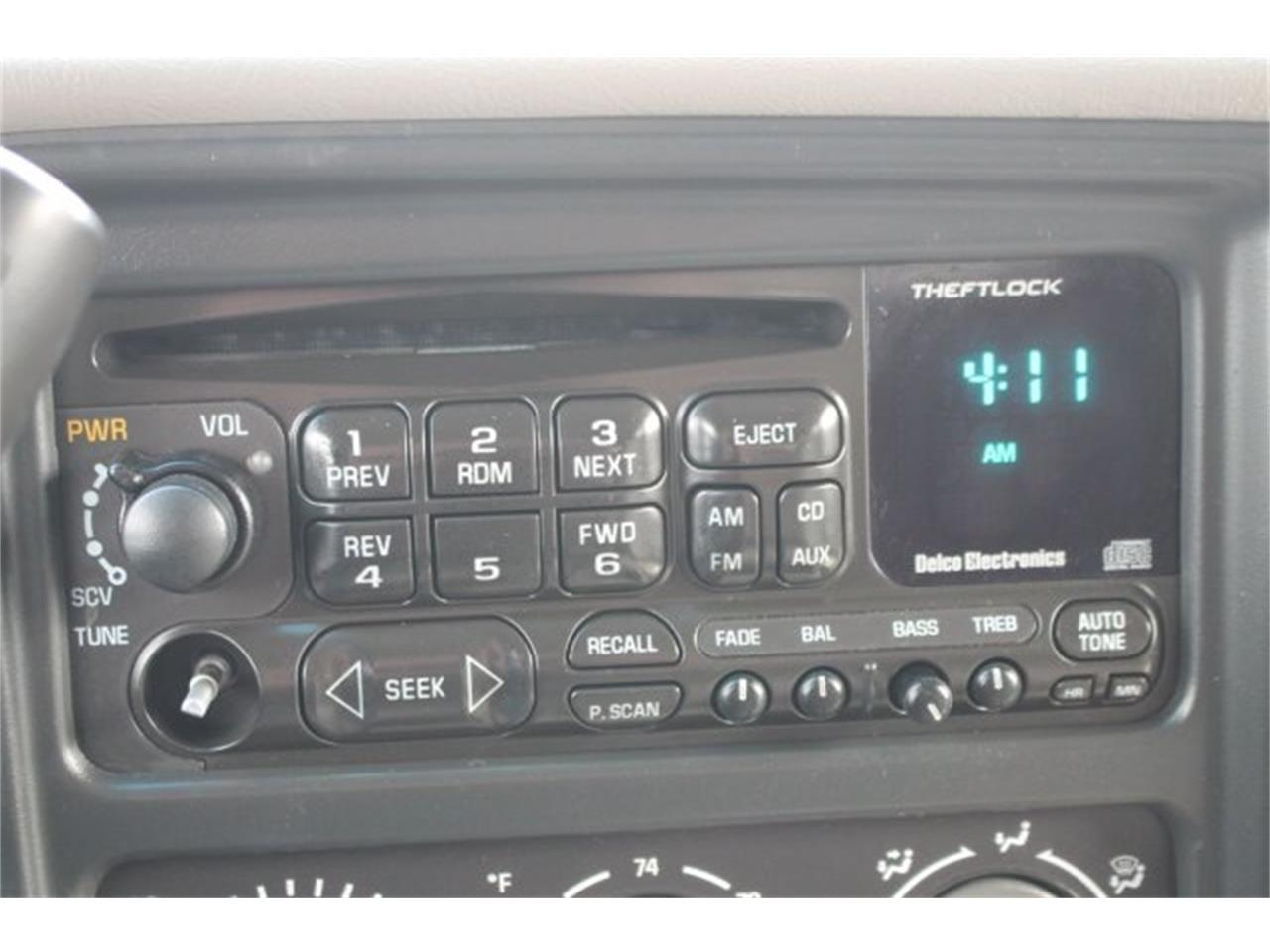 Large Picture of '02 Suburban - KQ8S