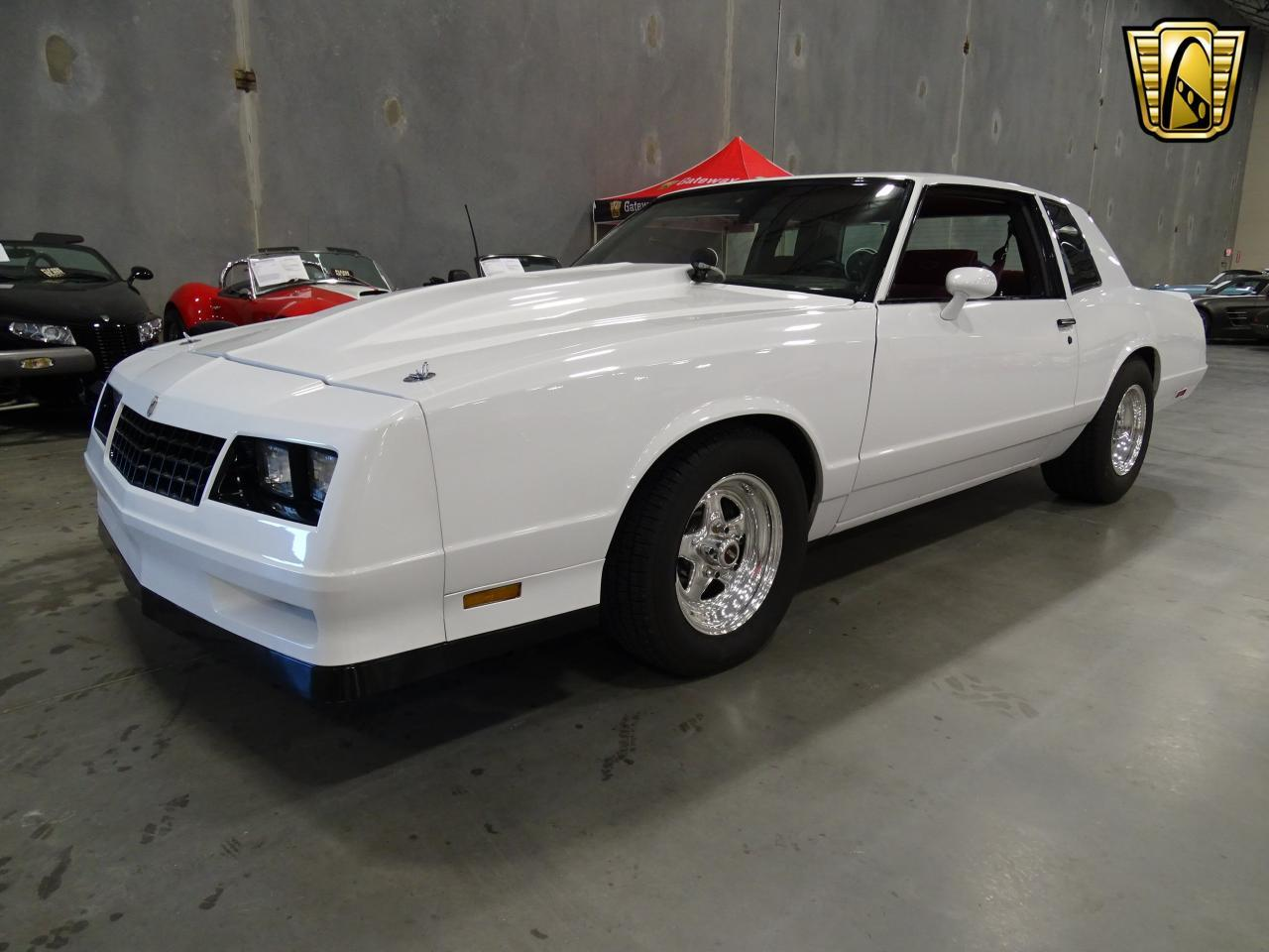 Large Picture of '82 Monte Carlo located in DFW Airport Texas Offered by Gateway Classic Cars - Dallas - KQ9A