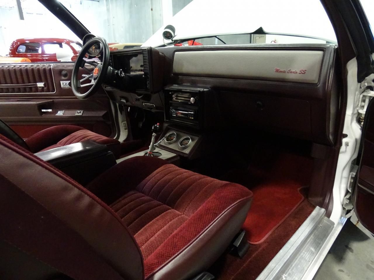 Large Picture of '82 Chevrolet Monte Carlo - KQ9A