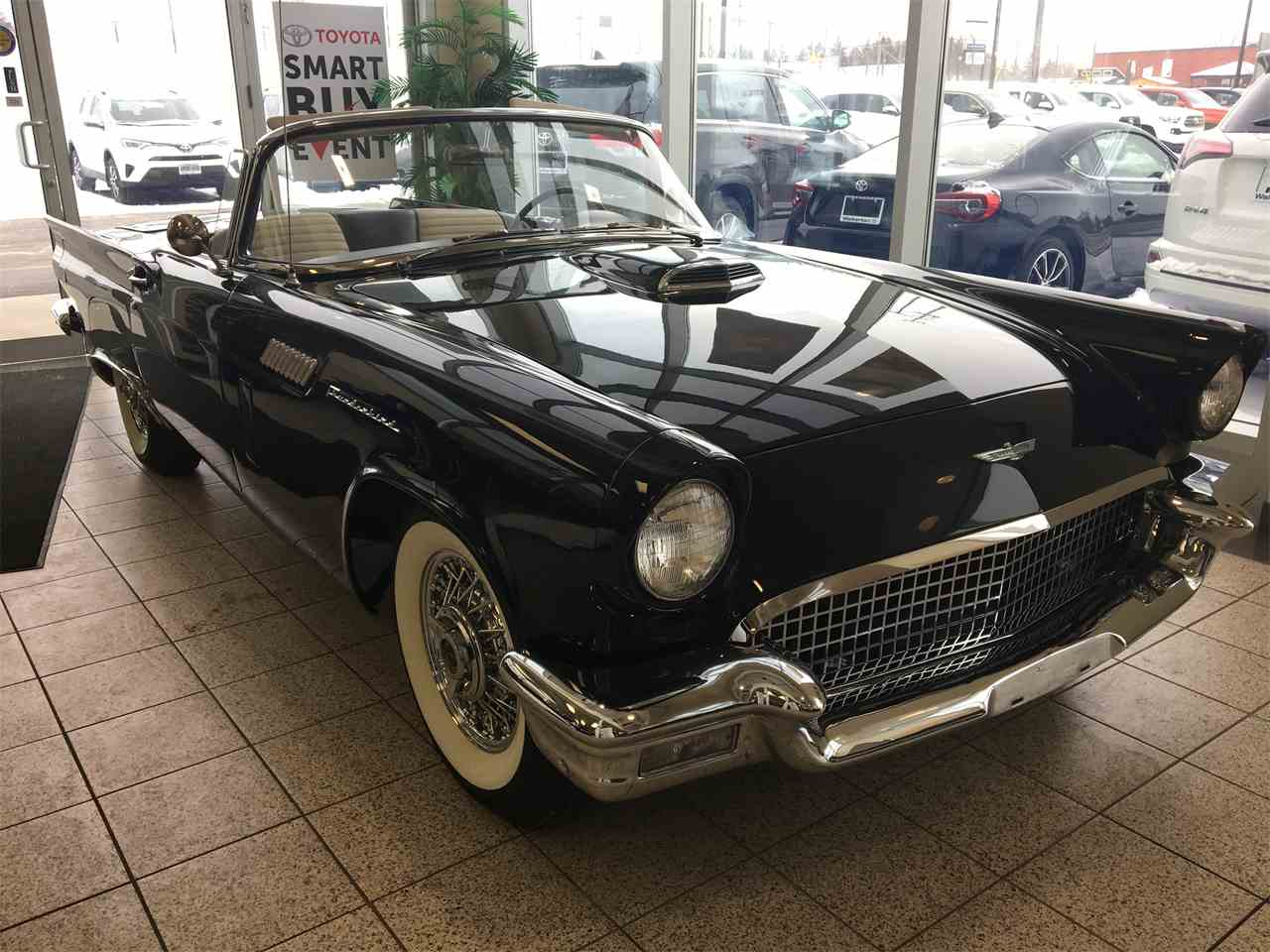 Large Picture of '57 Thunderbird - KQCK