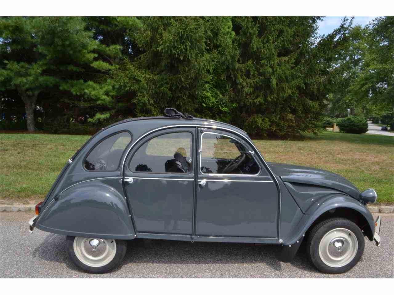 1965 citroen 2cv for sale cc 967581. Black Bedroom Furniture Sets. Home Design Ideas