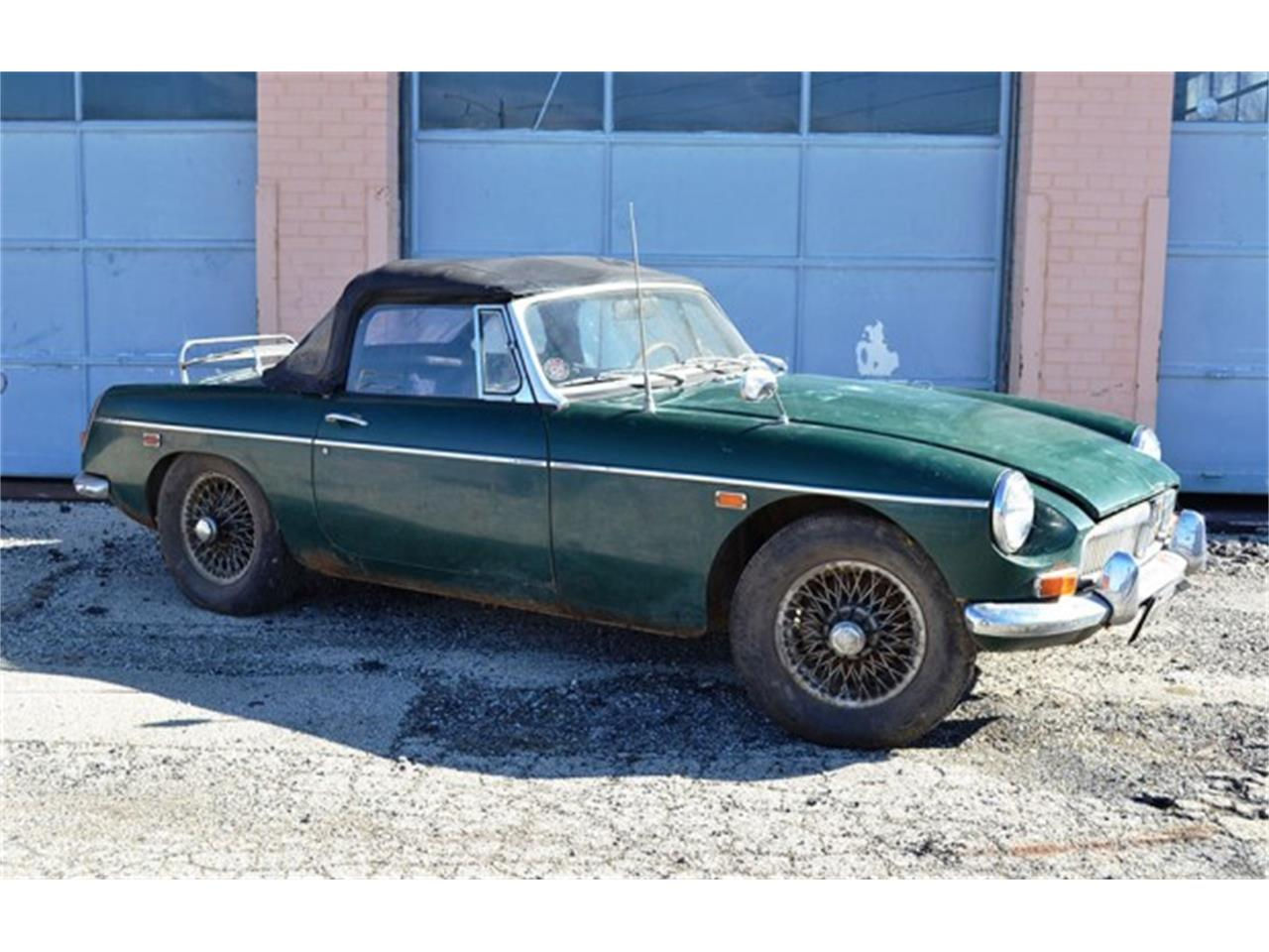 Large Picture of '69 MGB - KTON