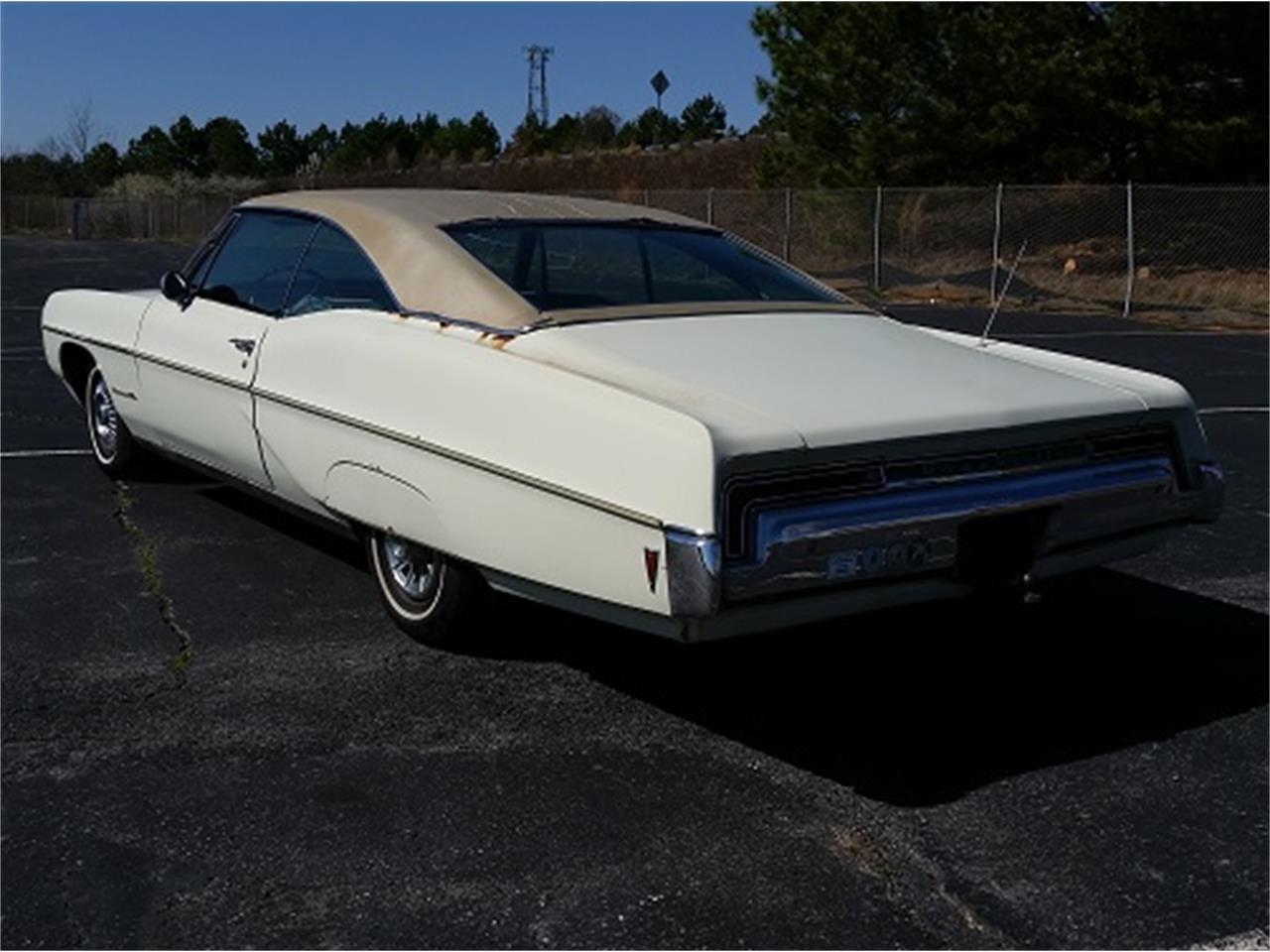 Large Picture of 1968 Pontiac Bonneville - KUD2