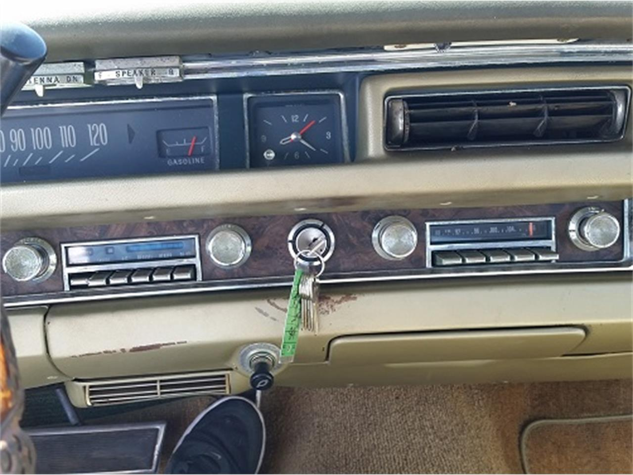 Large Picture of Classic 1968 Pontiac Bonneville located in Simpsonsville South Carolina - KUD2