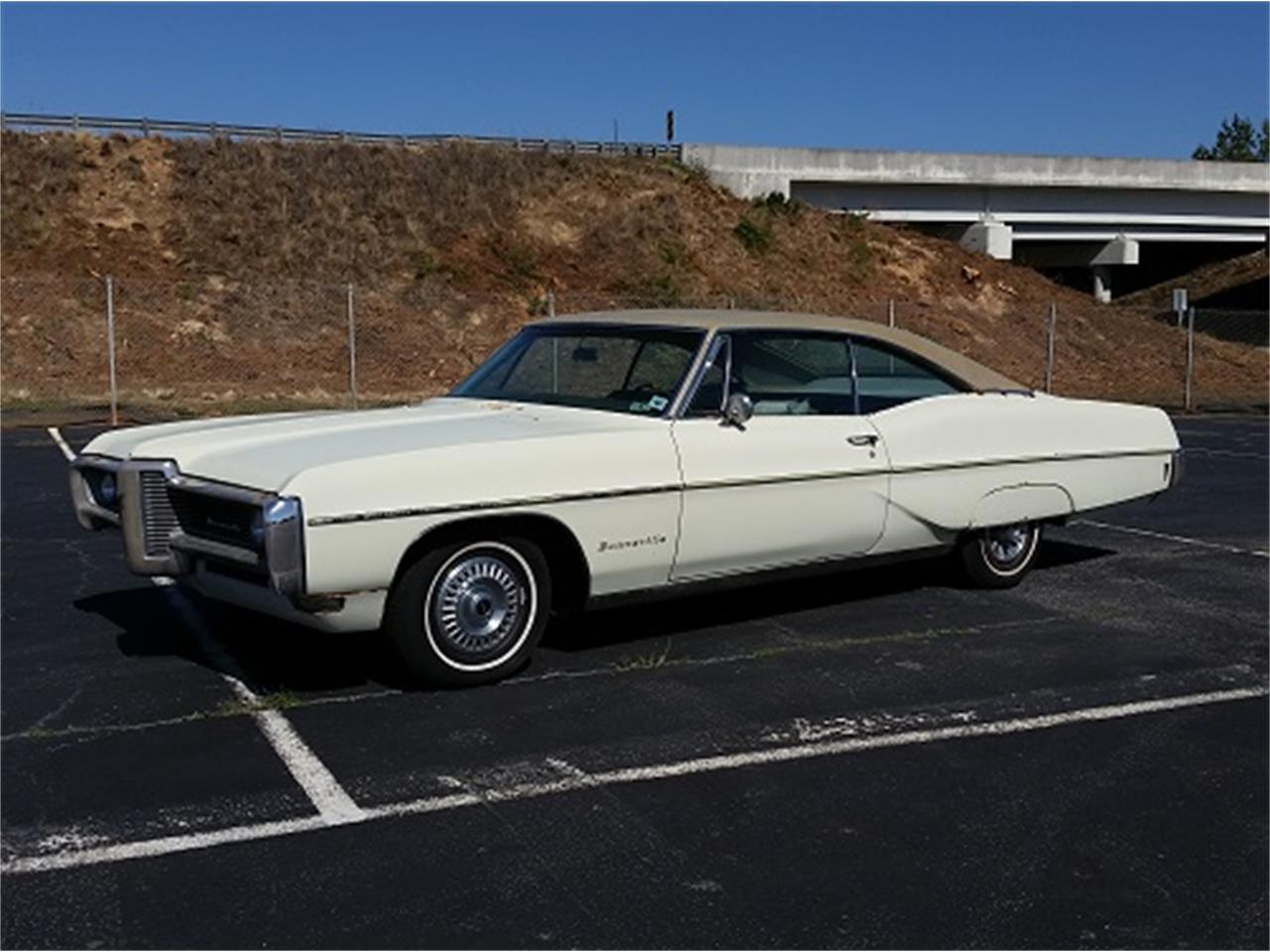 Large Picture of Classic '68 Pontiac Bonneville - KUD2