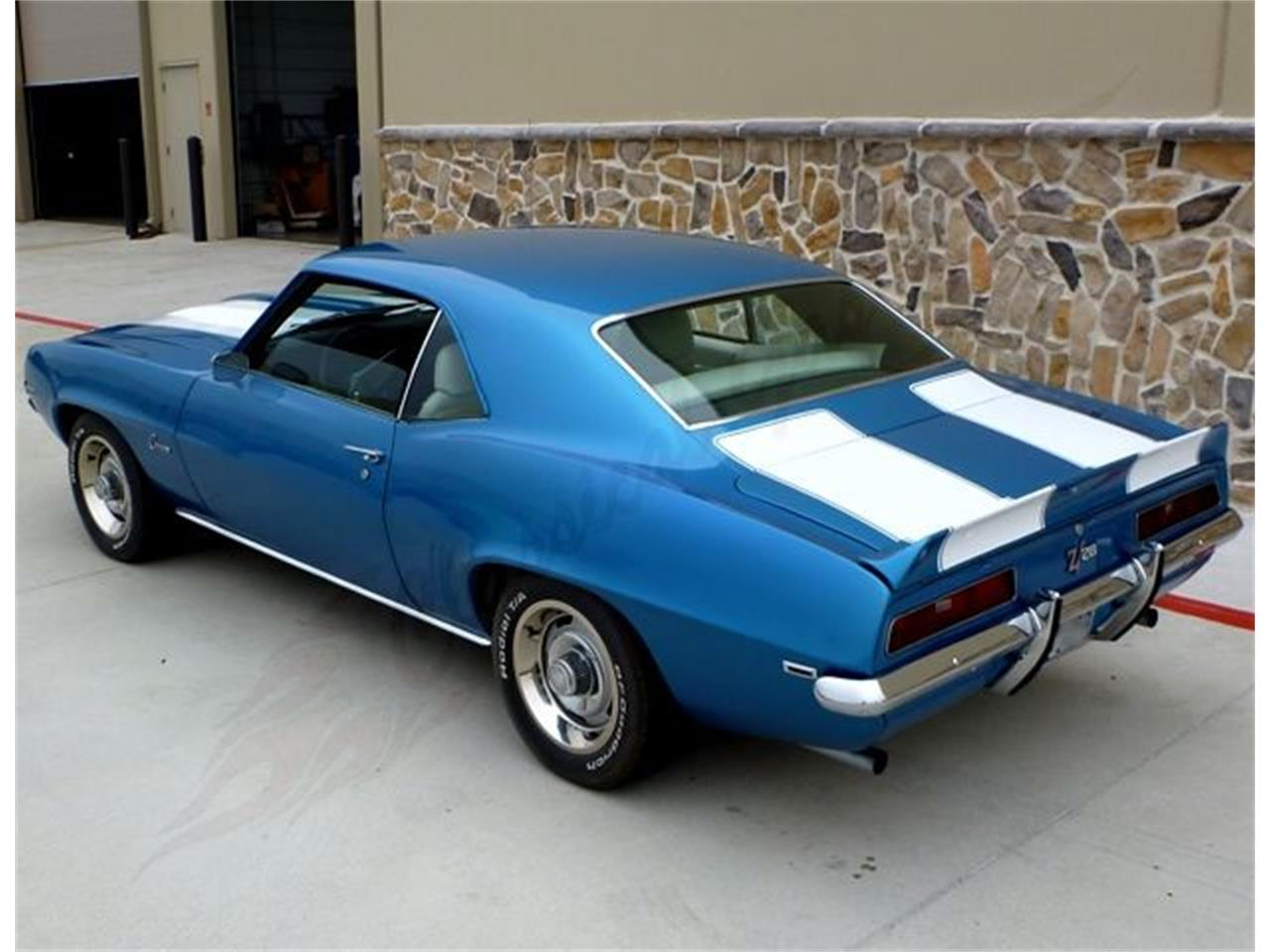 Large Picture of '69 Camaro Z28 - KUGH