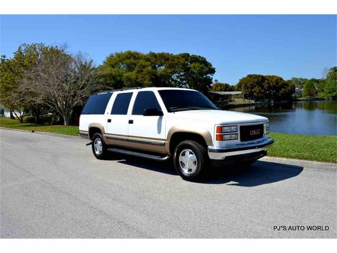 1999 gmc suburban for sale cc 974970. Black Bedroom Furniture Sets. Home Design Ideas