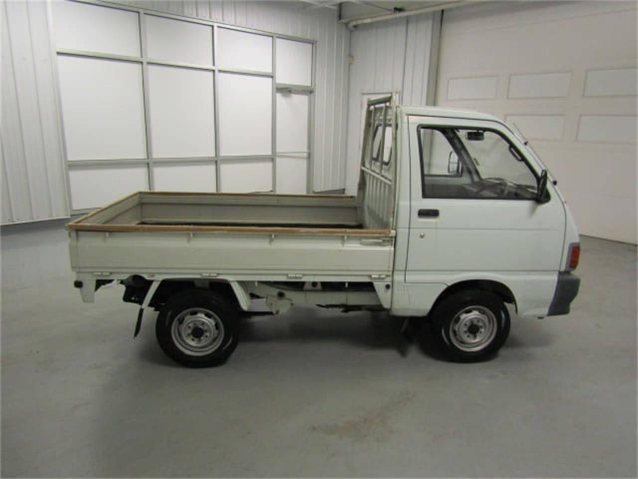 Large Picture of 1991 Daihatsu HiJet - KWUU