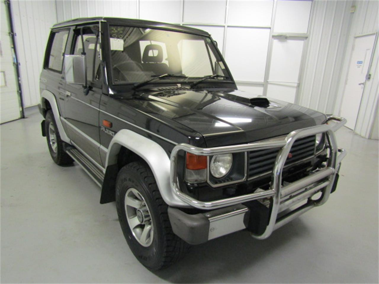 Large Picture of '90 Pajero located in Christiansburg Virginia - $7,999.00 Offered by Duncan Imports & Classic Cars - KXIX
