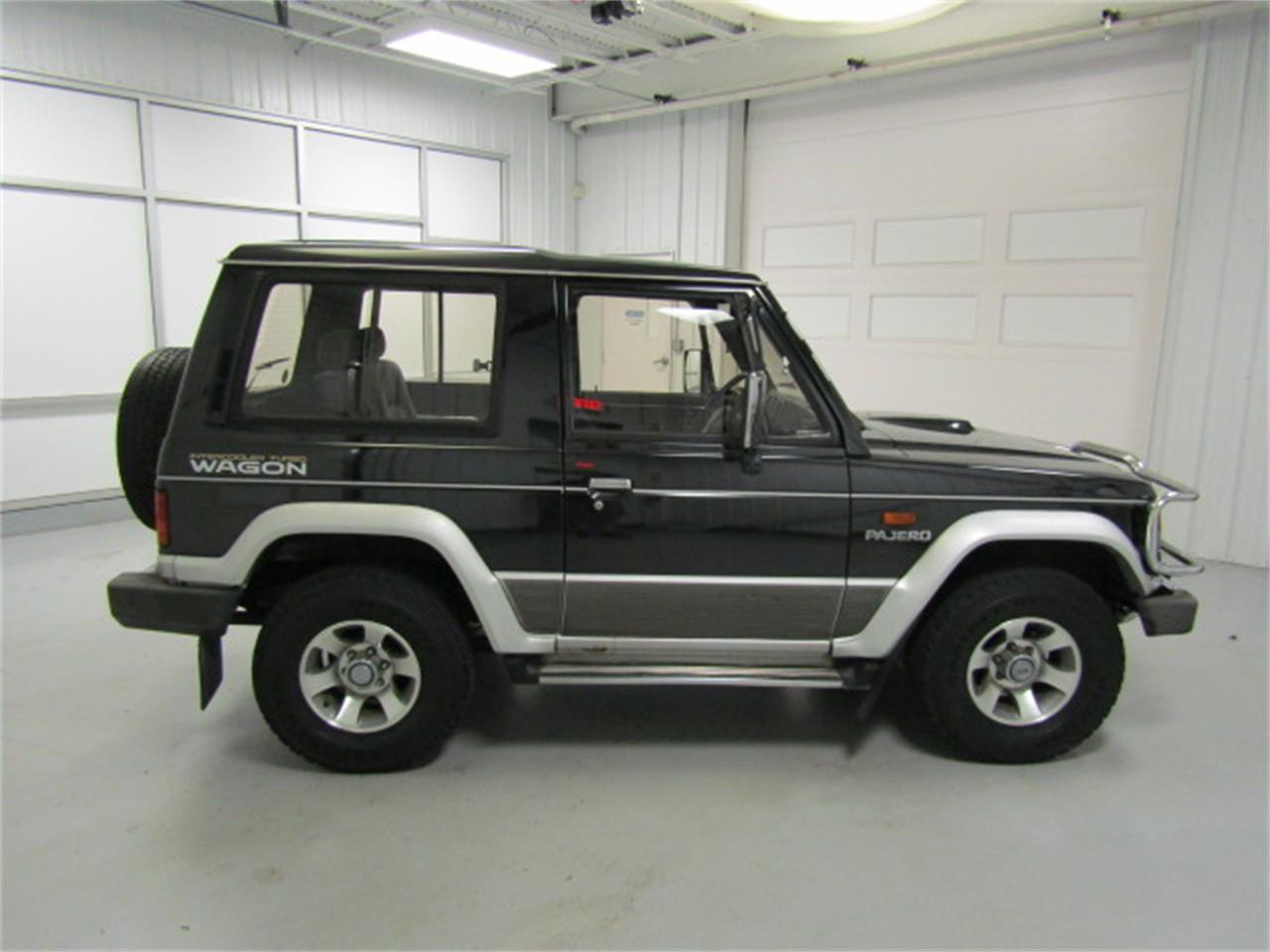 Large Picture of '90 Pajero located in Christiansburg Virginia - KXIX