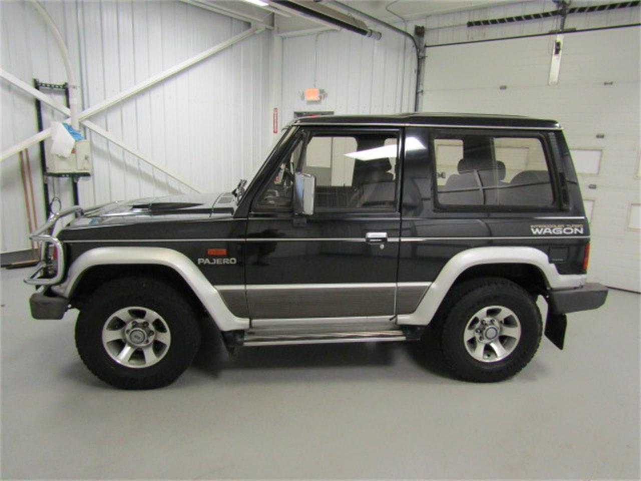 Large Picture of '90 Pajero located in Christiansburg Virginia Offered by Duncan Imports & Classic Cars - KXIX