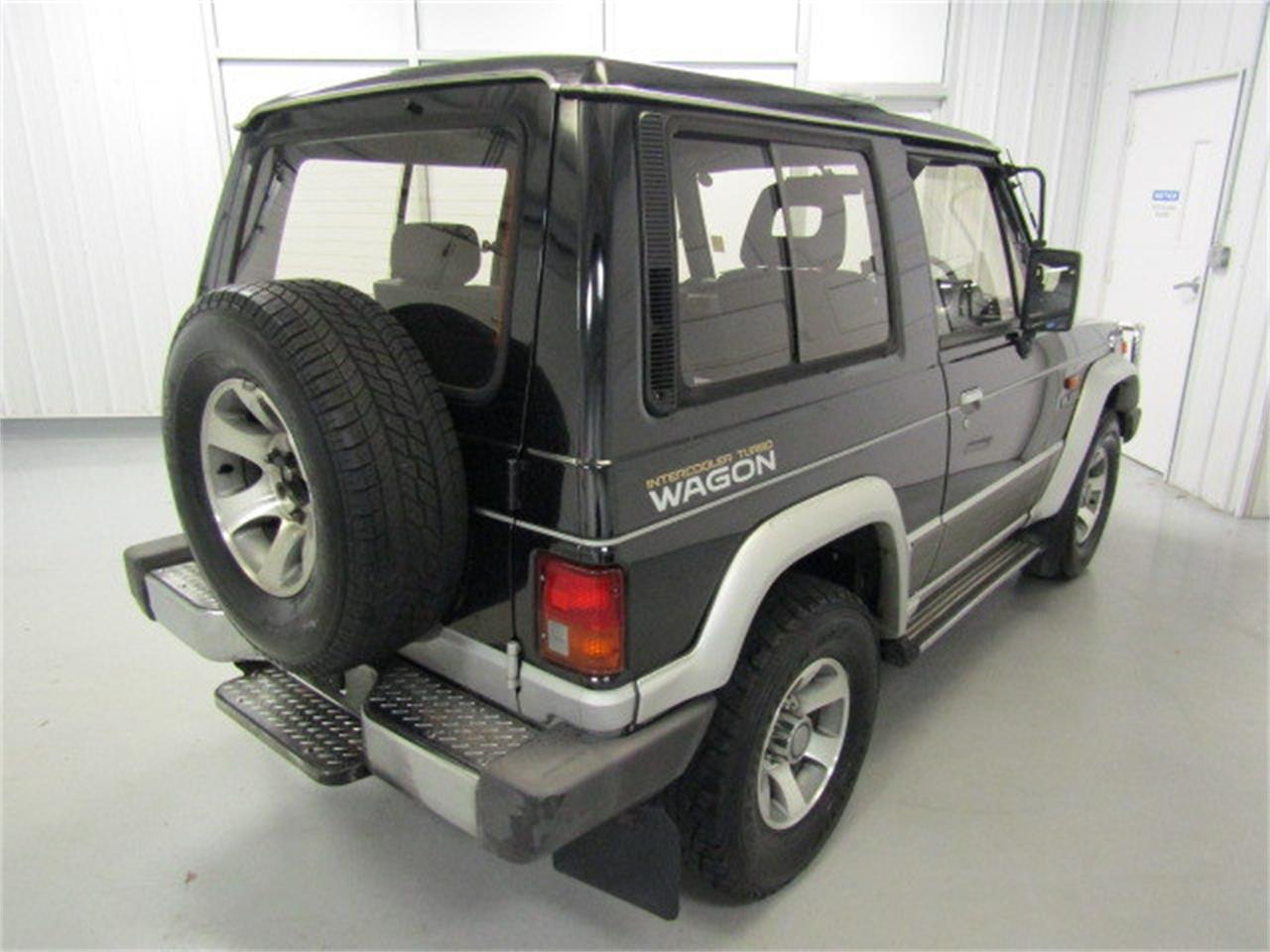 Large Picture of '90 Mitsubishi Pajero located in Christiansburg Virginia - KXIX