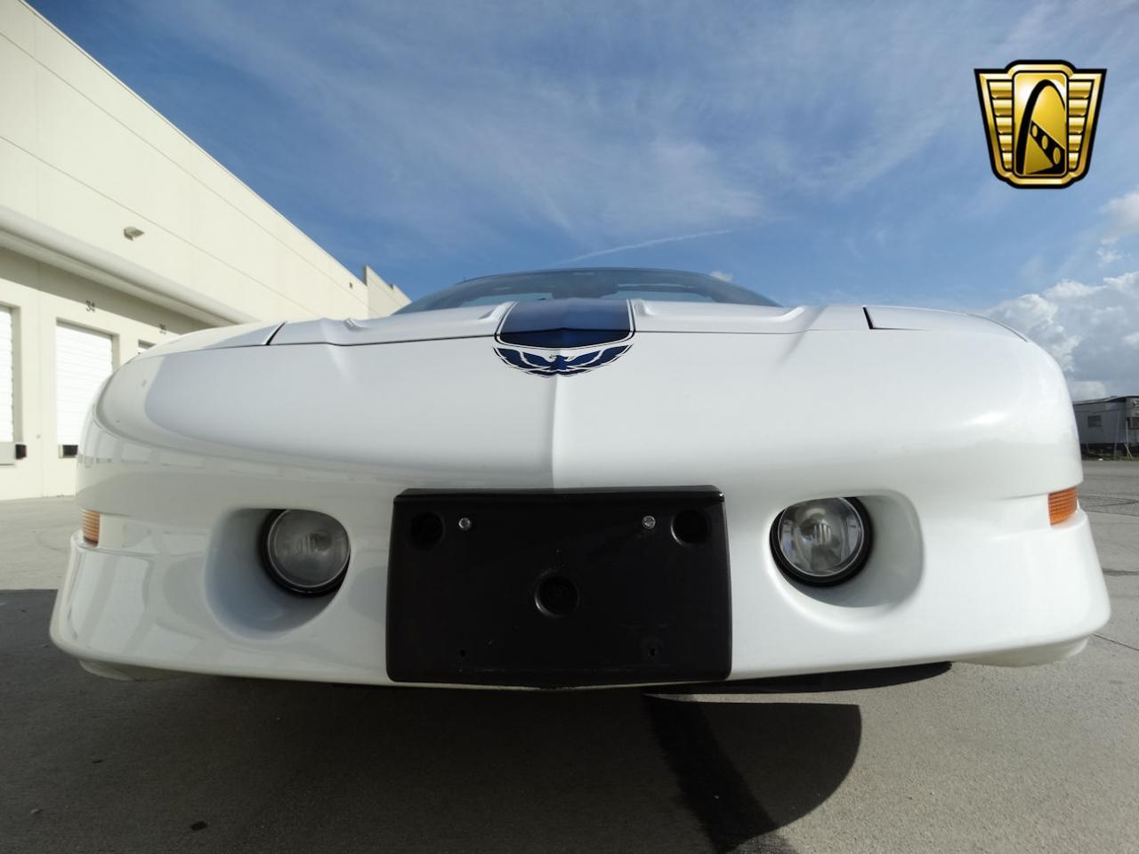 Large Picture of 1994 Pontiac Firebird located in Coral Springs Florida Offered by Gateway Classic Cars - Fort Lauderdale - KXRF