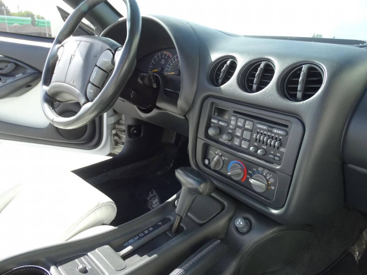 Large Picture of 1994 Pontiac Firebird - $22,595.00 - KXRF