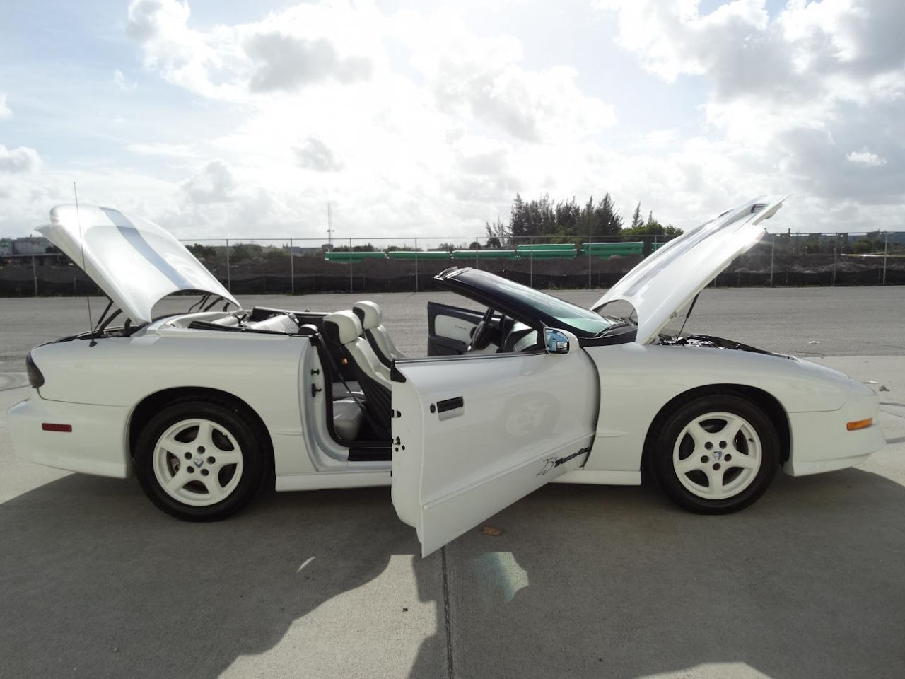 Large Picture of '94 Firebird - $22,595.00 - KXRF