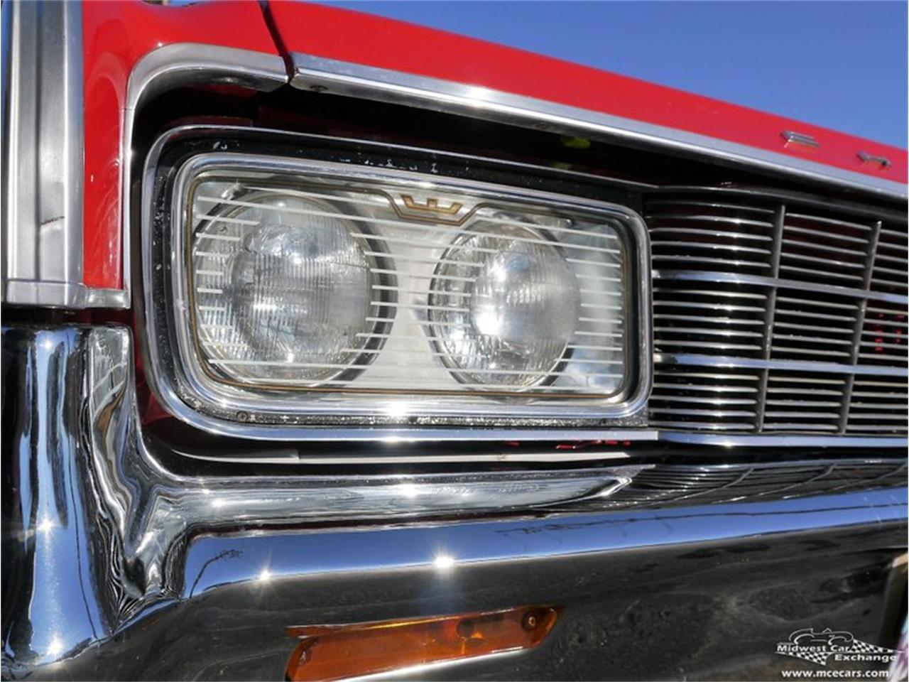 Large Picture of '65 New Yorker located in Illinois Offered by Midwest Car Exchange - KY4D