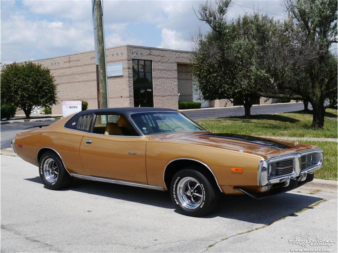 Large Picture of Classic '73 Dodge Charger located in Alsip Illinois - $27,900.00 Offered by Midwest Car Exchange - KY4G