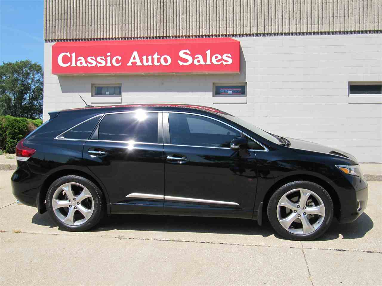 Large Picture of '13 Venza located in Omaha Nebraska Offered by Classic Auto Sales - KYK2