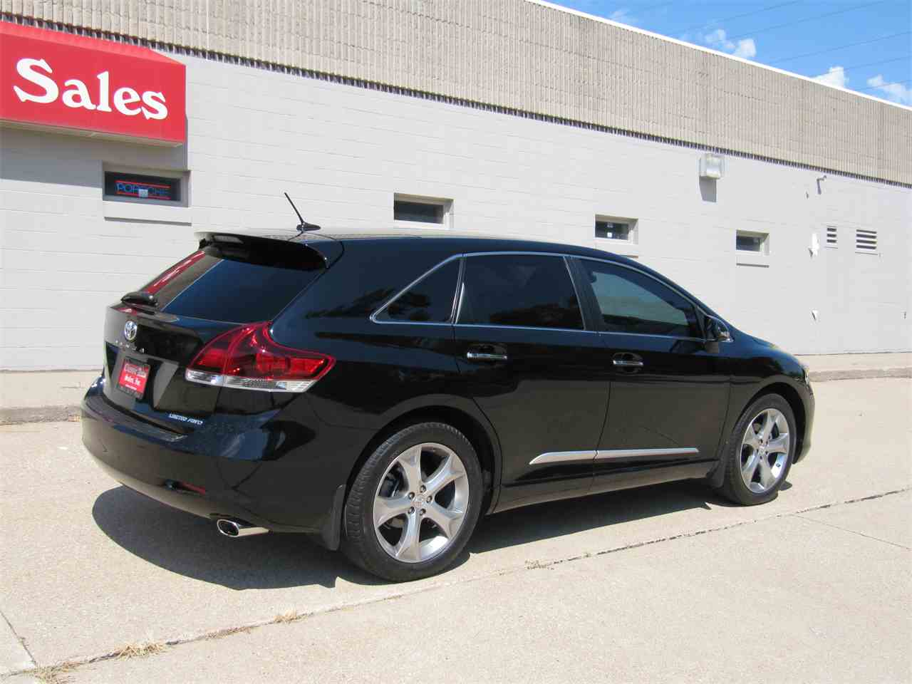 Large Picture of '13 Toyota Venza located in Omaha Nebraska Offered by Classic Auto Sales - KYK2