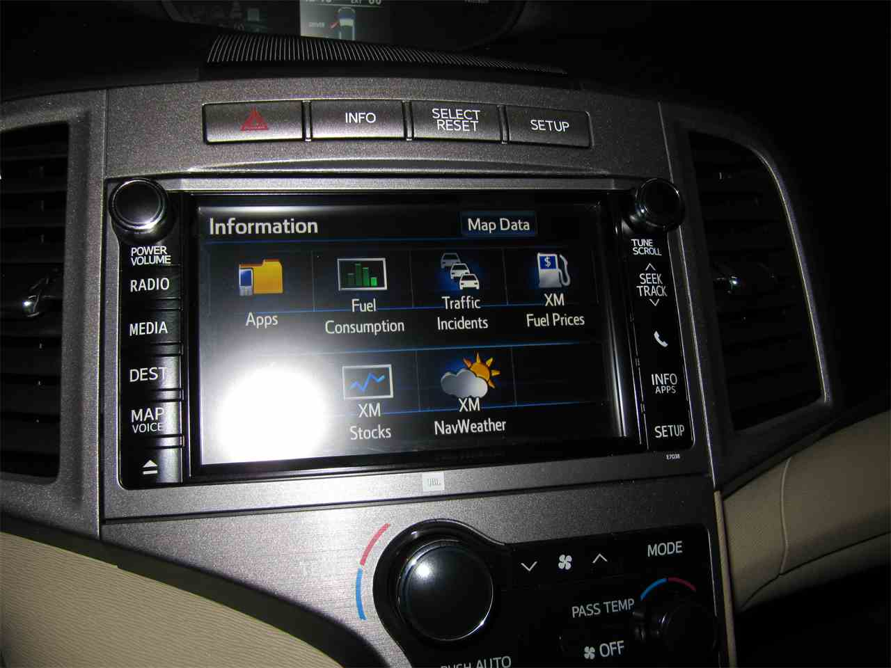 Large Picture of '13 Toyota Venza located in Nebraska Offered by Classic Auto Sales - KYK2