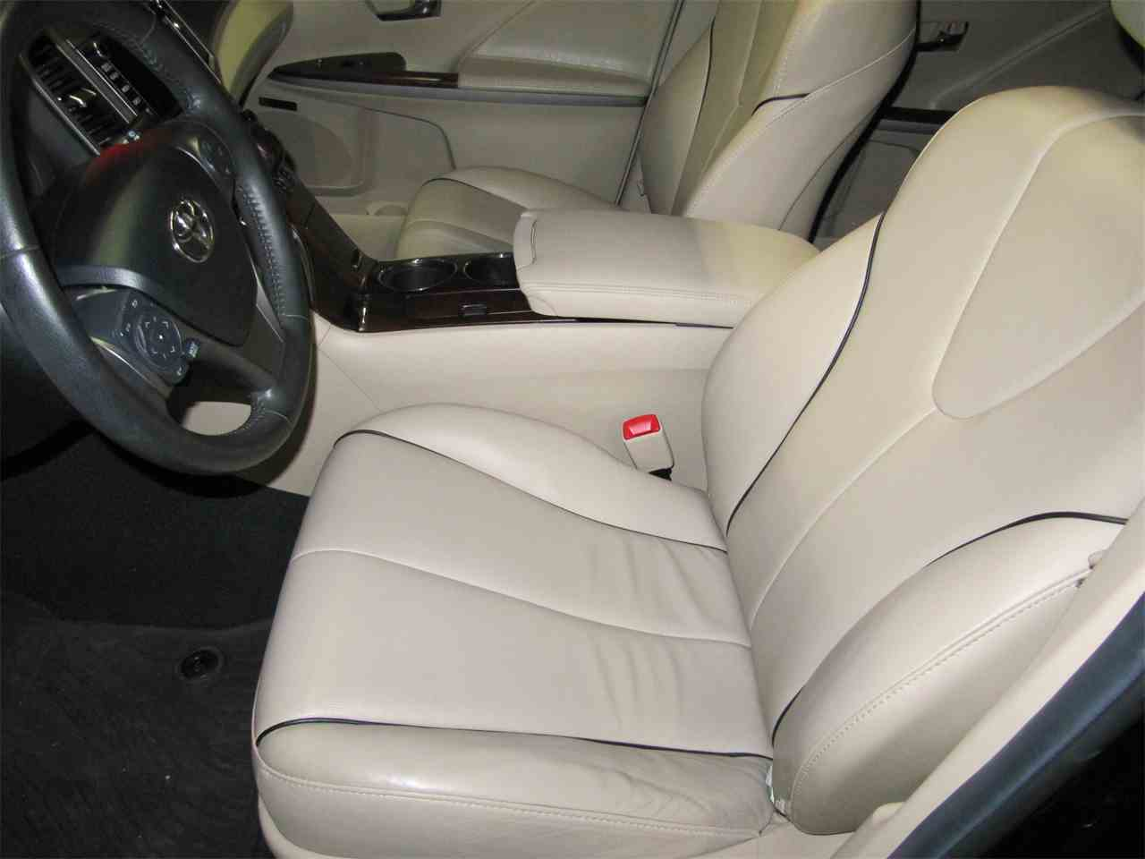 Large Picture of 2013 Toyota Venza located in Omaha Nebraska - KYK2