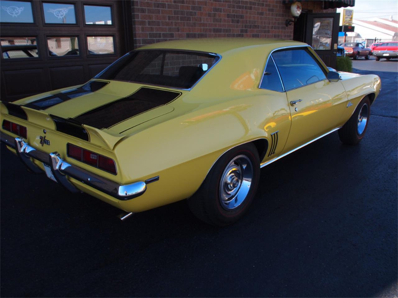 Large Picture of '69 Camaro - KYU0