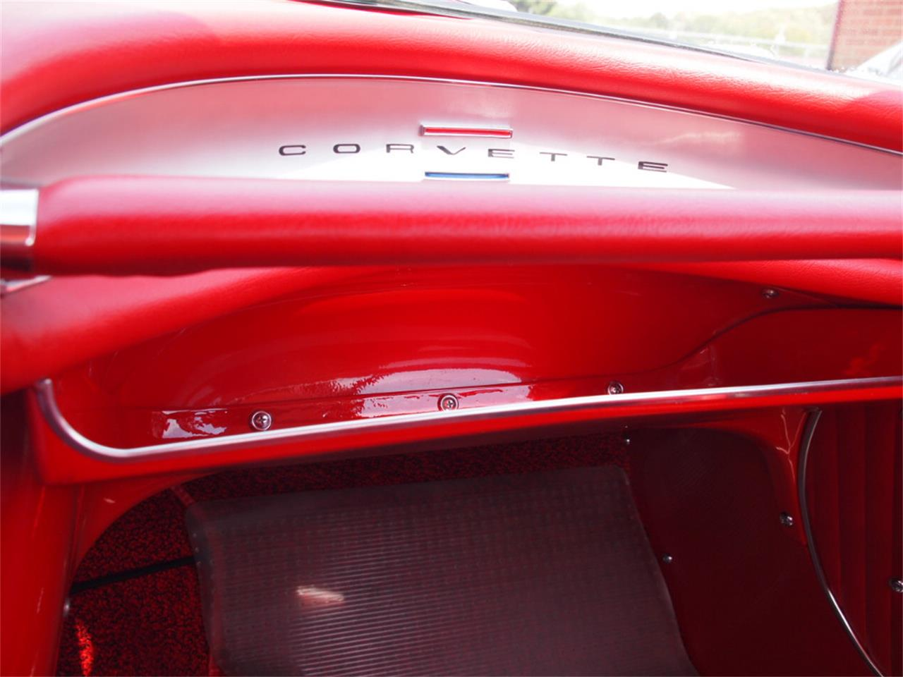 Large Picture of '62 Corvette - KYU1