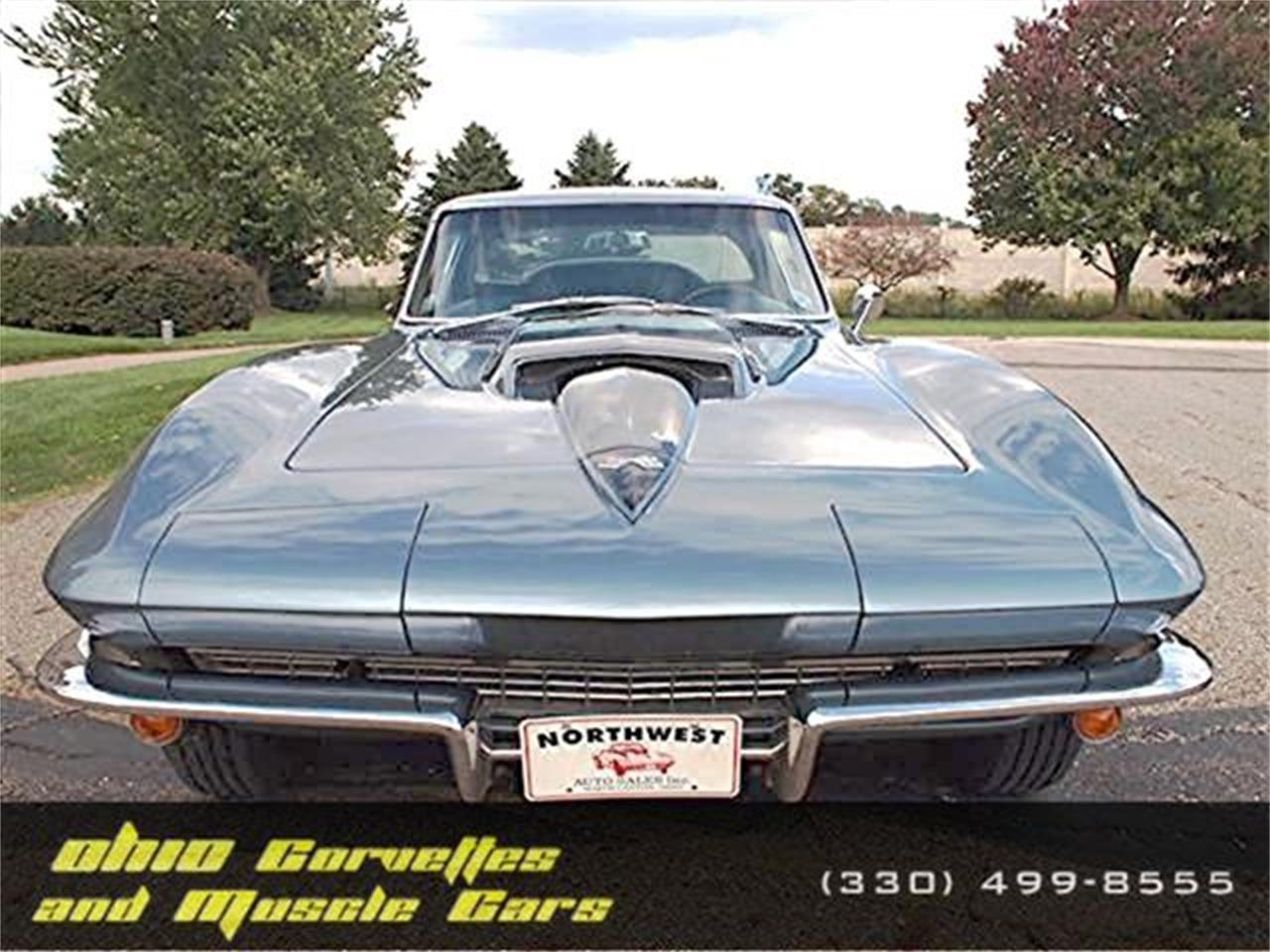 Large Picture of '67 Corvette - KYU8