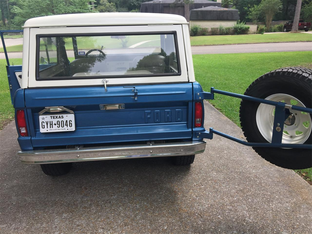 Large Picture of '67 Bronco - KYY9