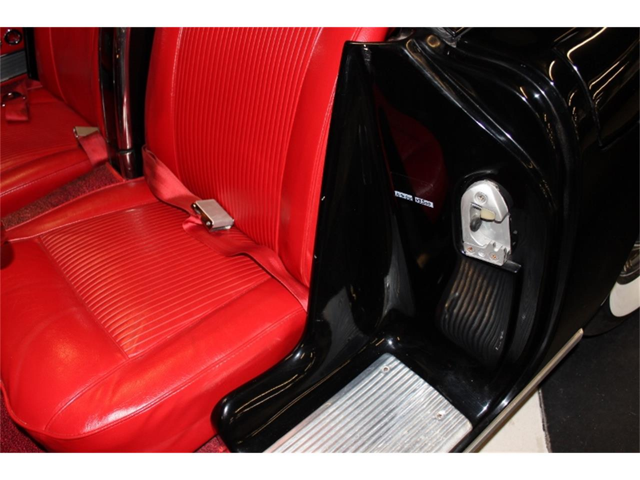 Large Picture of Classic 1961 Corvette - KT5Z