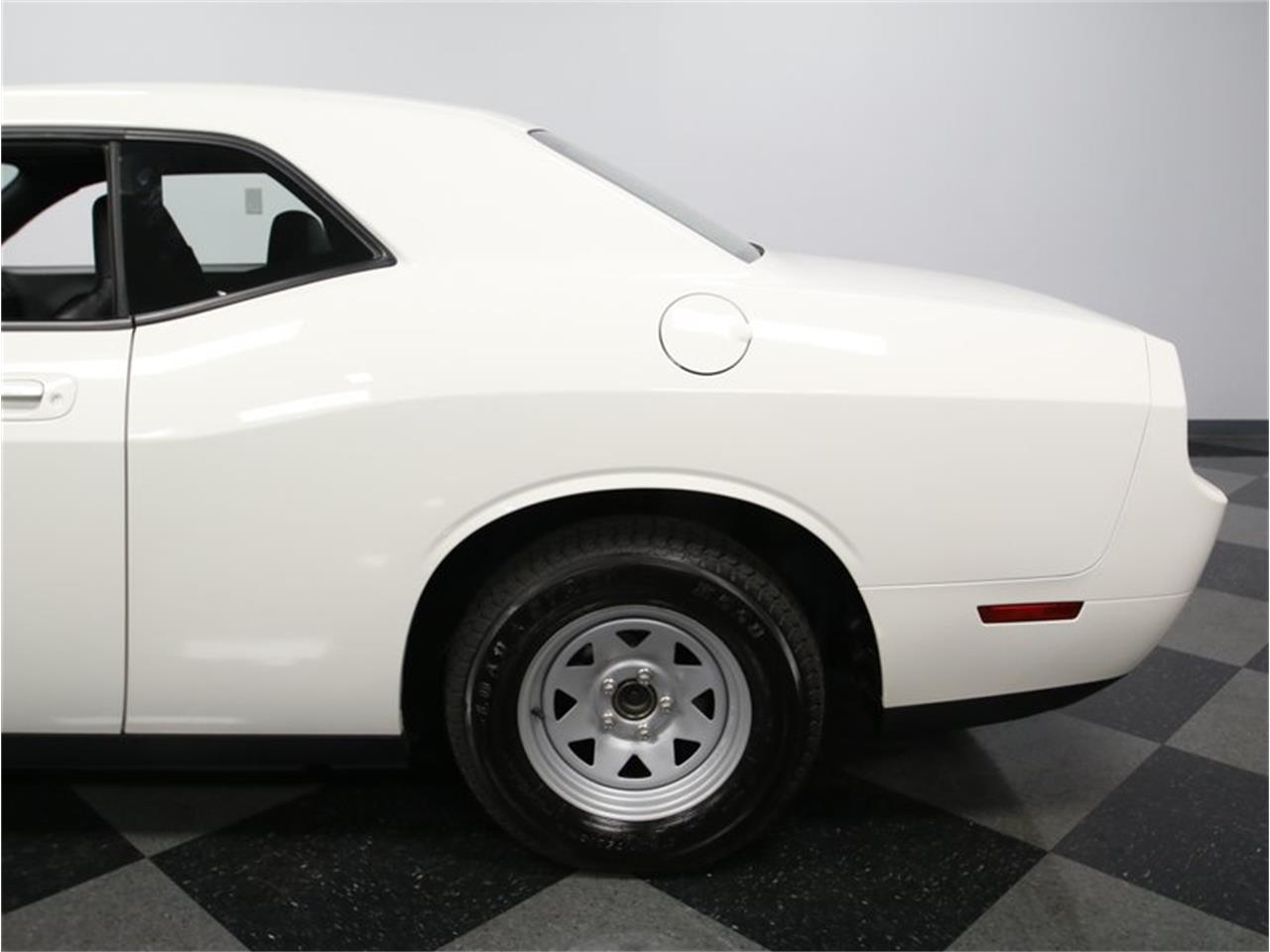 Large Picture of '09 Challenger - KZUV