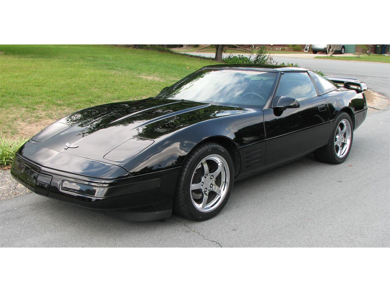 Large Picture of 1991 Chevrolet Corvette located in North Carolina - L16X