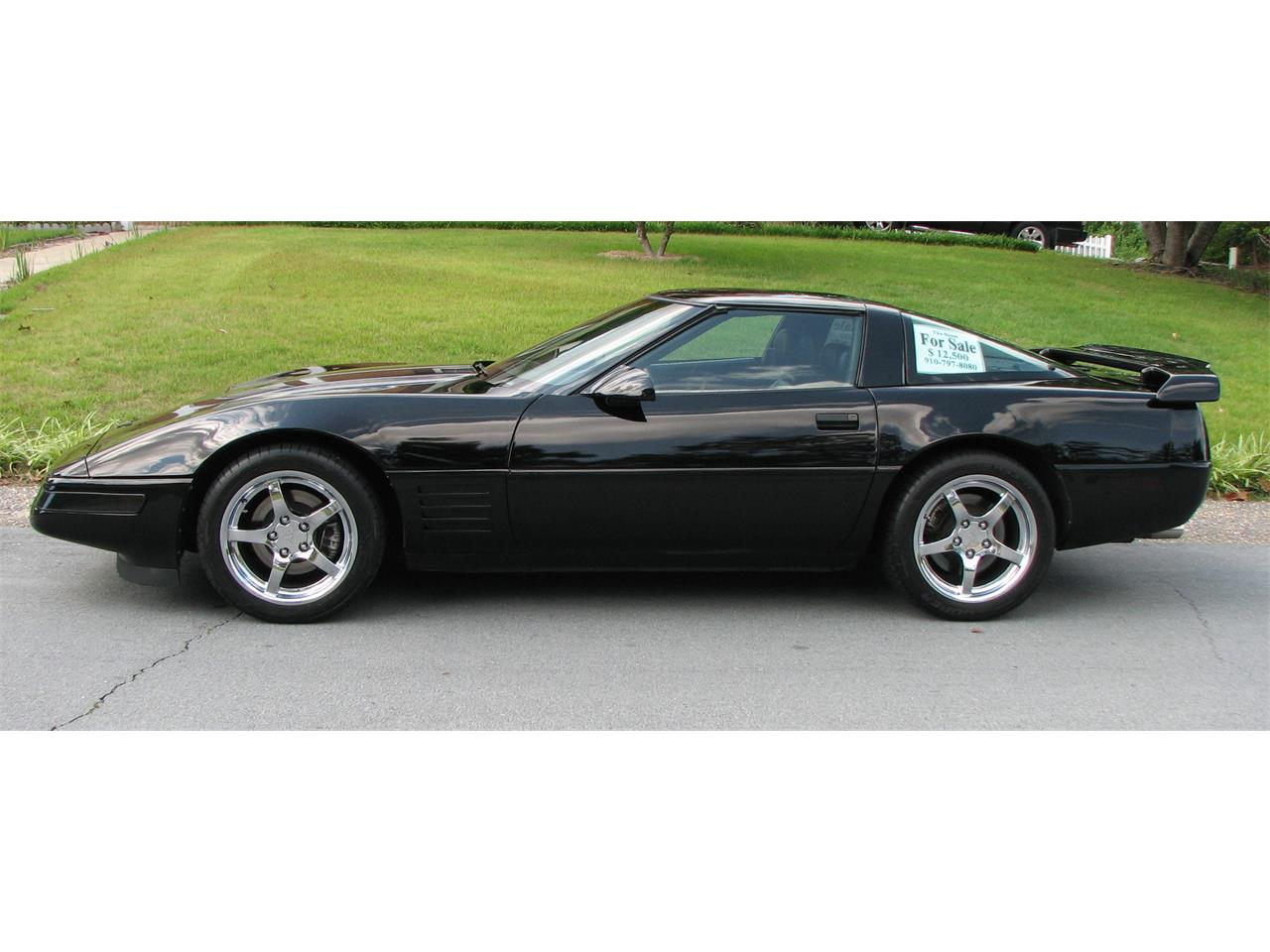 Large Picture of 1991 Chevrolet Corvette located in FAYETTEVILLE North Carolina - $10,750.00 - L16X