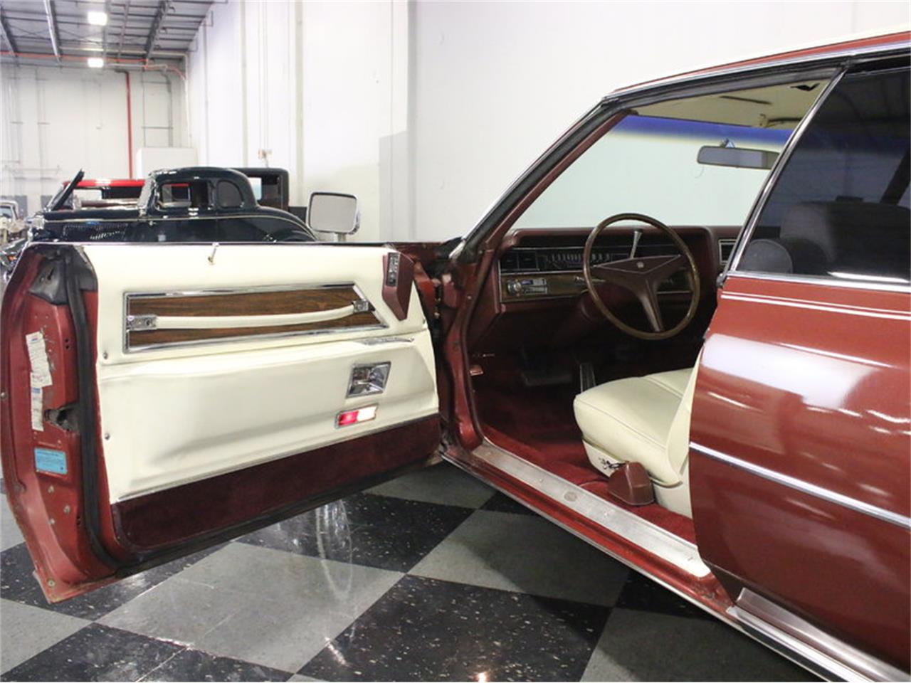 Large Picture of 1972 Cadillac Coupe DeVille located in Texas - $9,995.00 Offered by Streetside Classics - Dallas / Fort Worth - L1A0