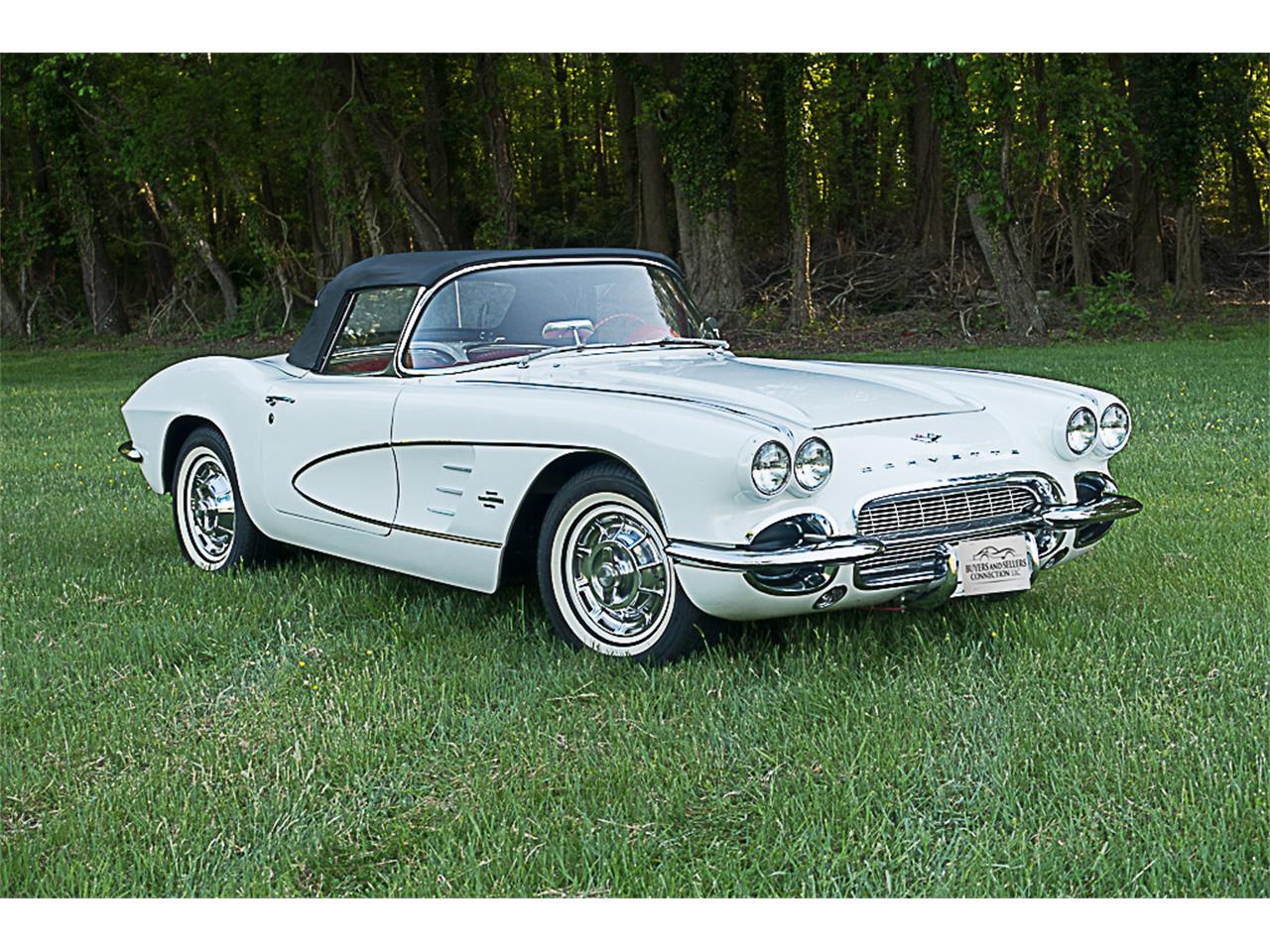 Large Picture of '61 Corvette - L1JR