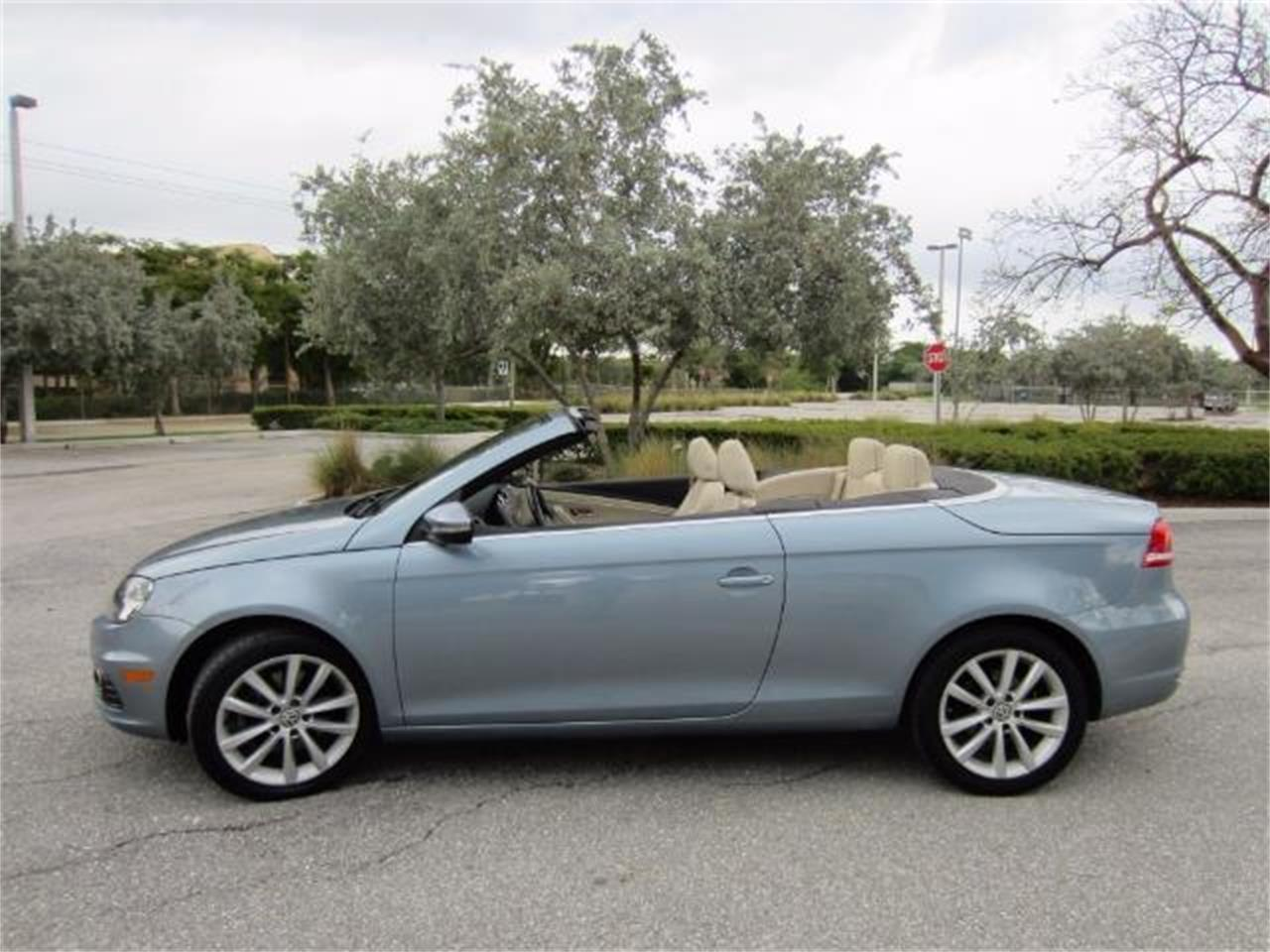Large Picture of '12 Volkswagen EosKomfort SULEV located in Delray Beach Florida Offered by Autosport Group - L1LI