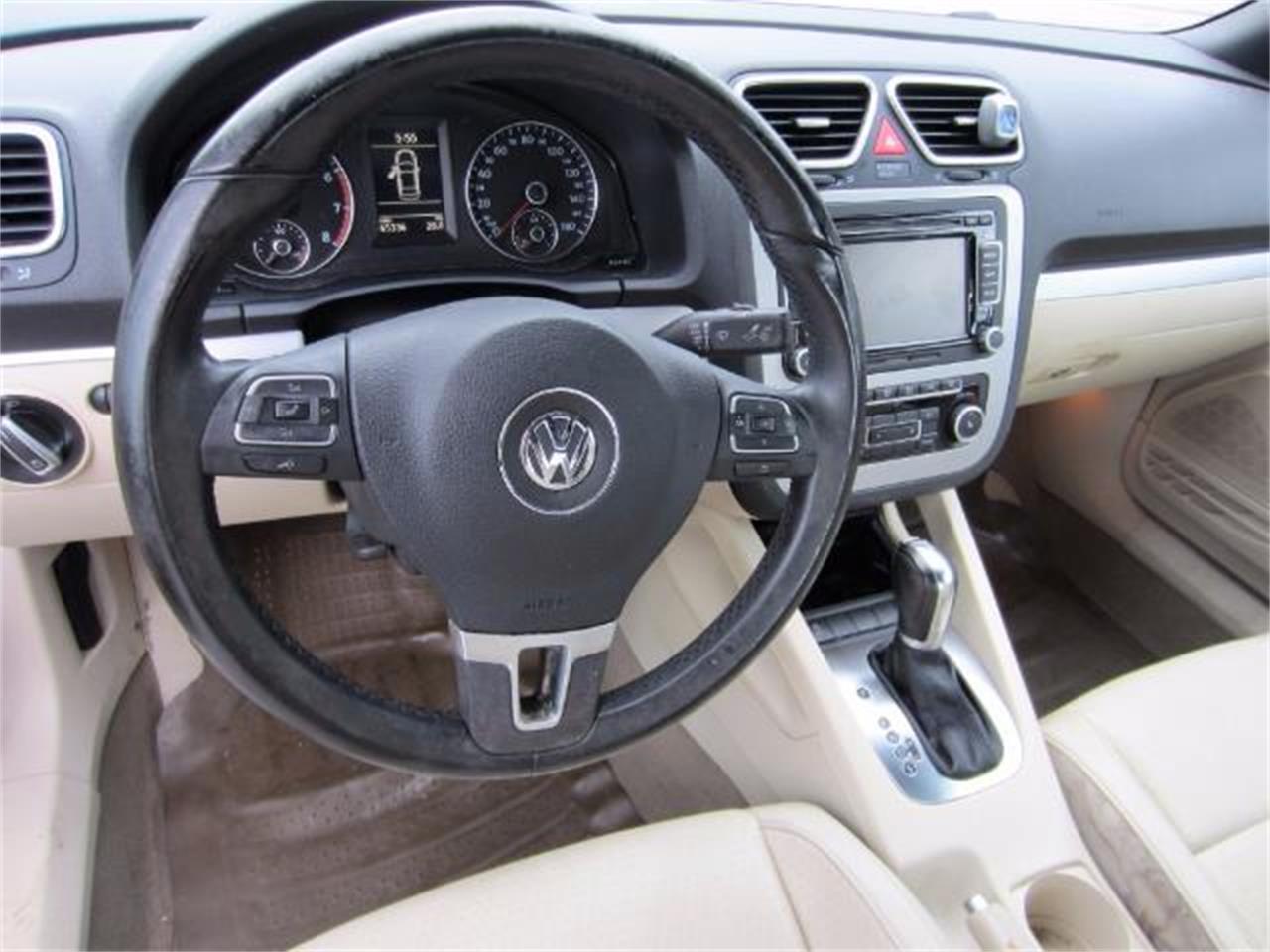 Large Picture of 2012 Volkswagen EosKomfort SULEV located in Florida - $12,900.00 - L1LI