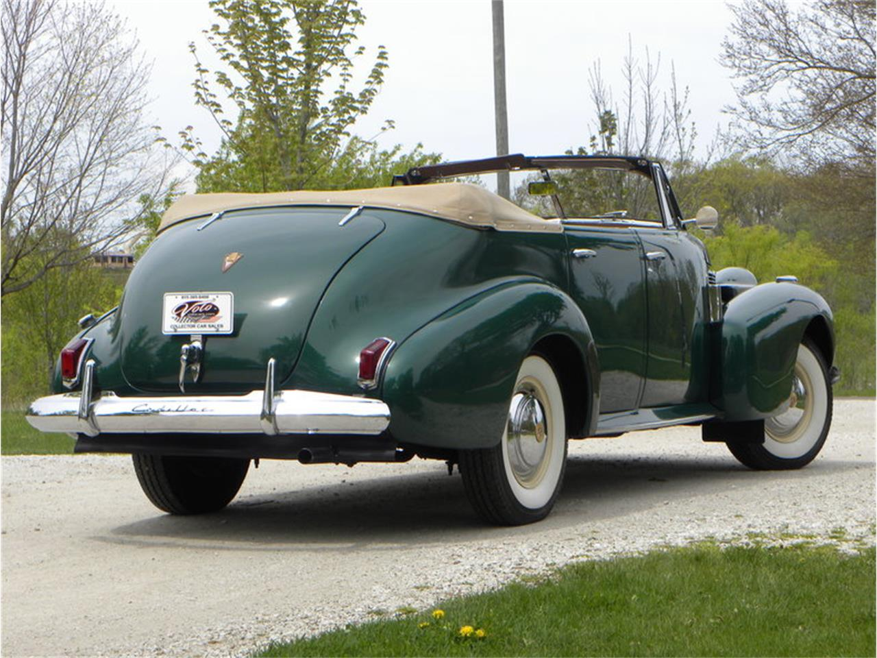 Large Picture of '40 Series 62 Convertible Sedan - L1MR