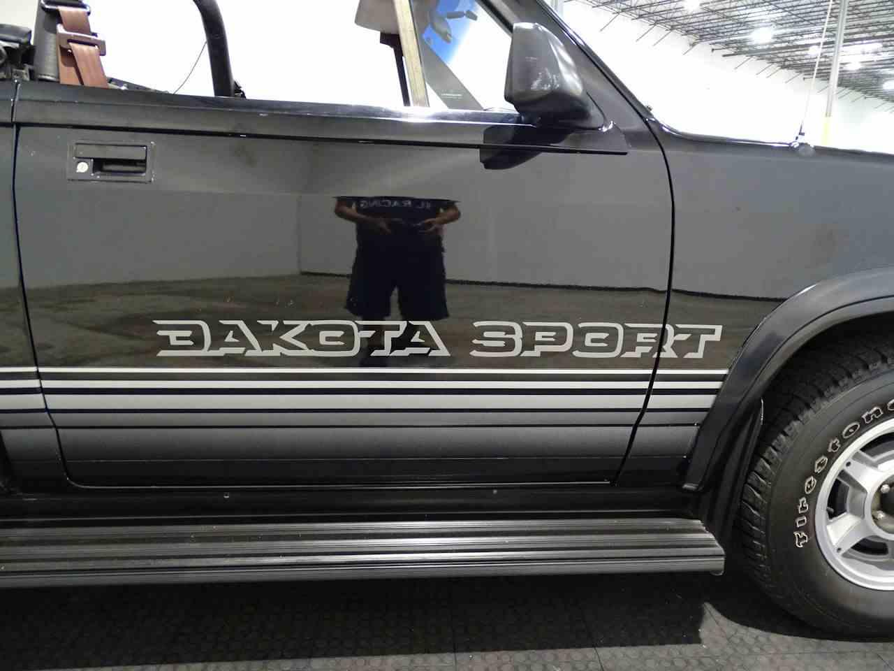 Large Picture of '89 Dakota - L1SP