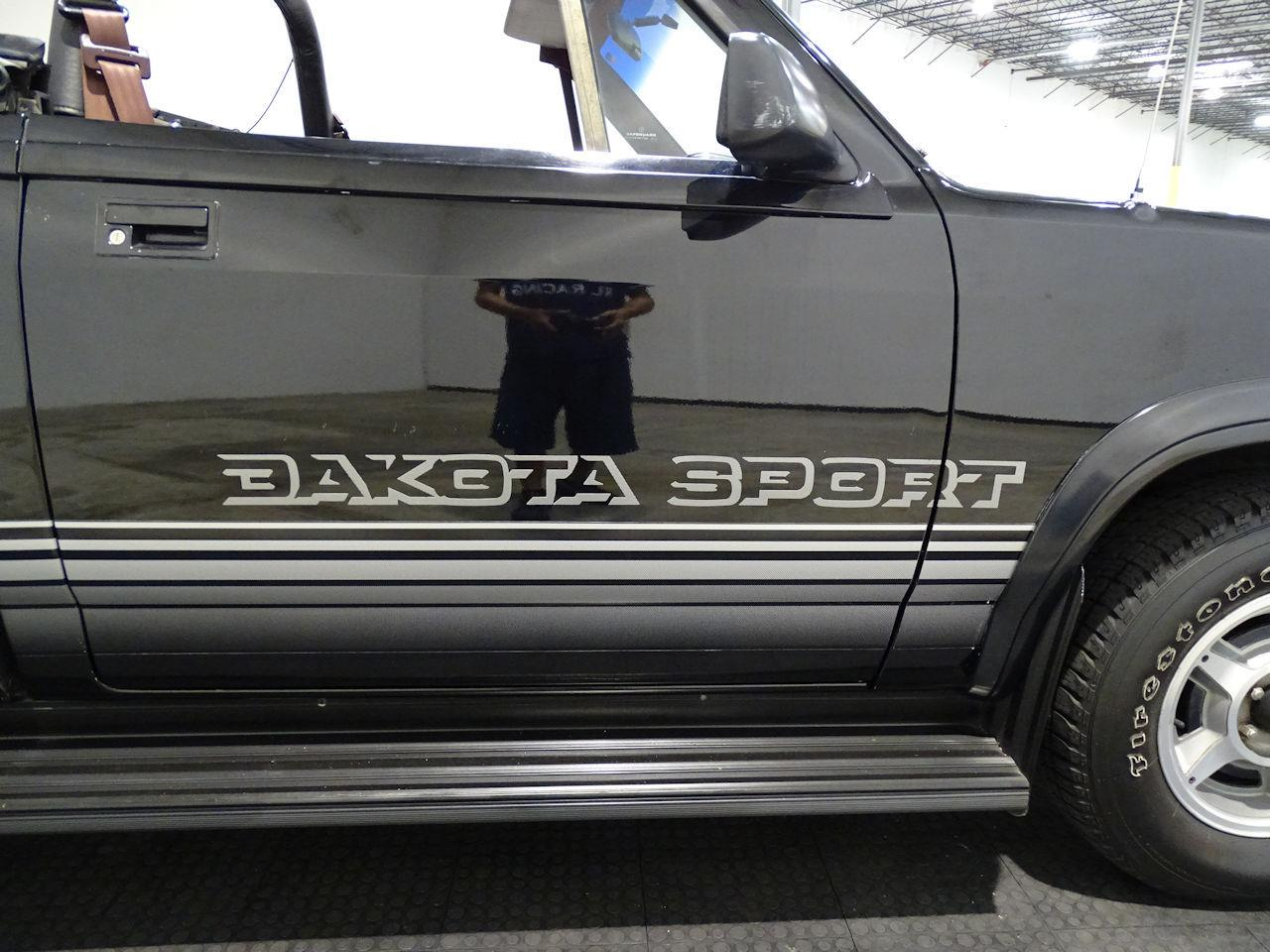 Large Picture of '89 Dakota located in Houston Texas Offered by Gateway Classic Cars - Houston - L1SP