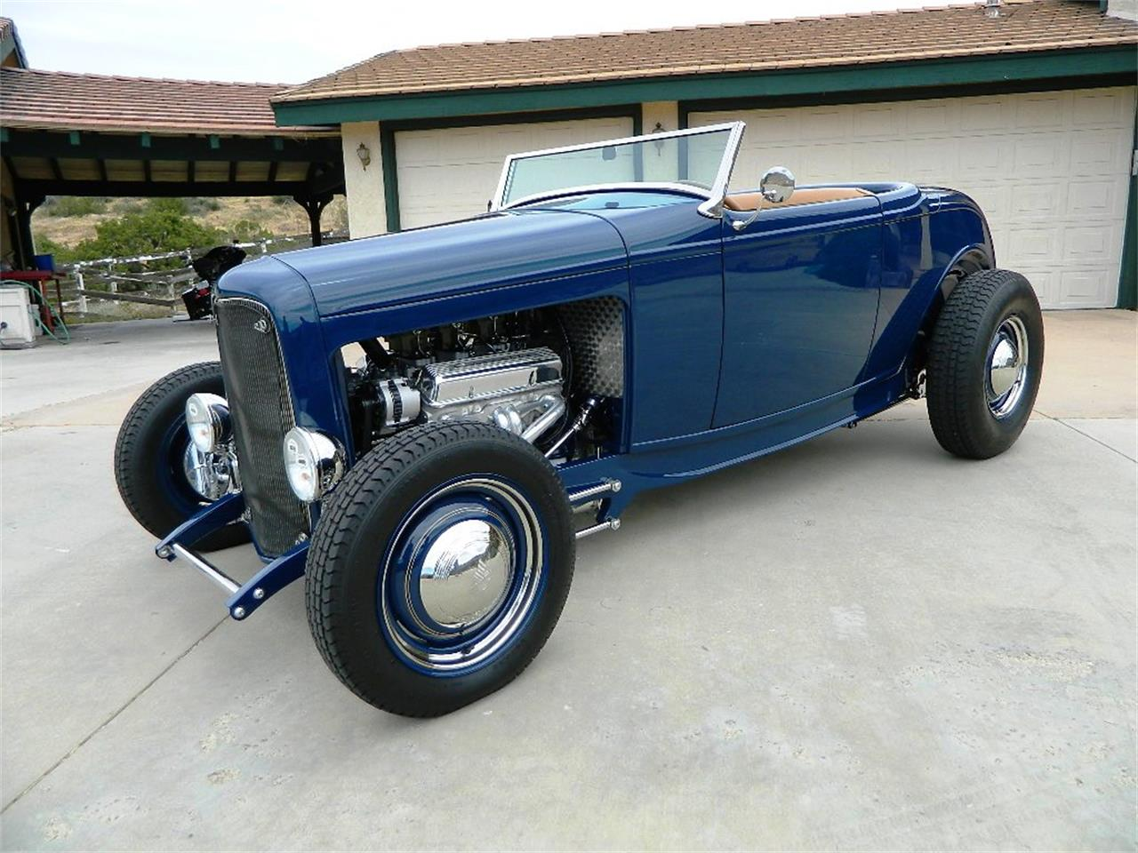 Large Picture of Classic 1932 Ford Roadster - $129,999.00 Offered by Classic Car Marketing, Inc. - L1V9