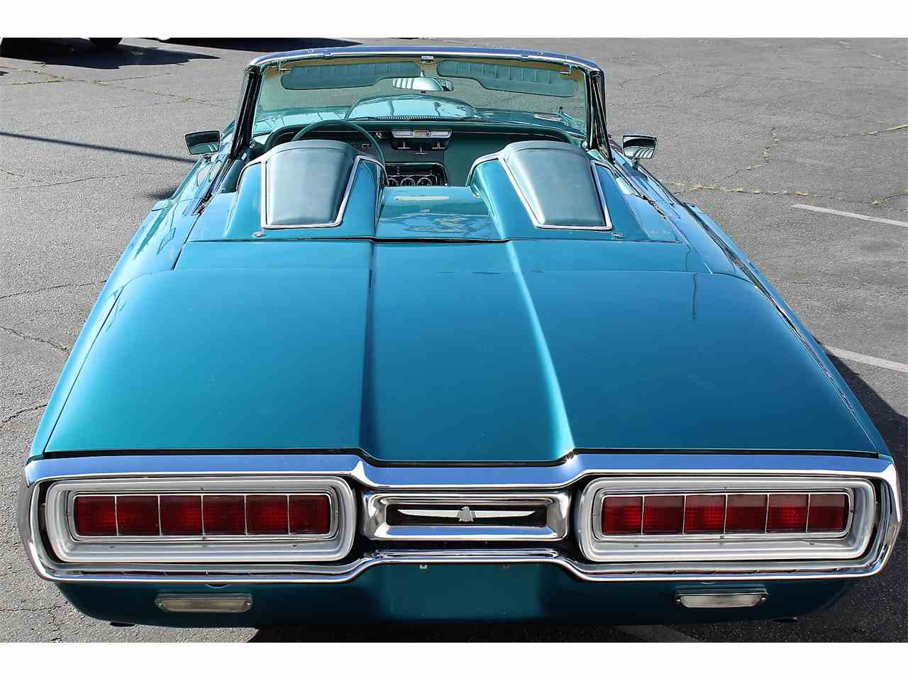 Large Picture of '65 Thunderbird - L1W4
