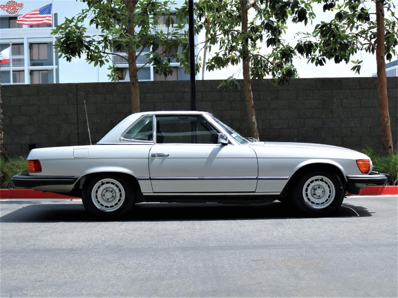 Large Picture of 1981 Mercedes-Benz 380 located in California - L2D5