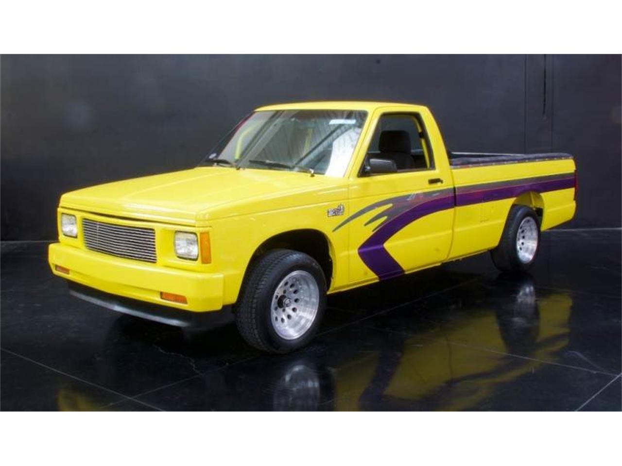 Large Picture of 1982 GMC Pickup Offered by NBS Auto Showroom - L2JN