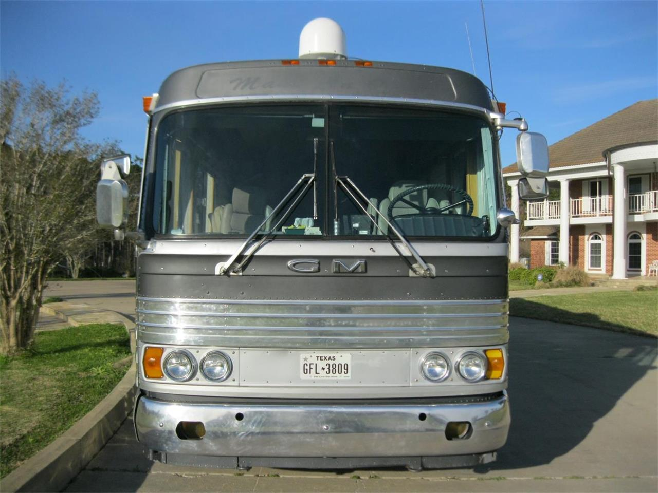 Large Picture of Classic '63 GM Coach Custom Bus/RV Offered by Texas Trucks and Classics - L2O9