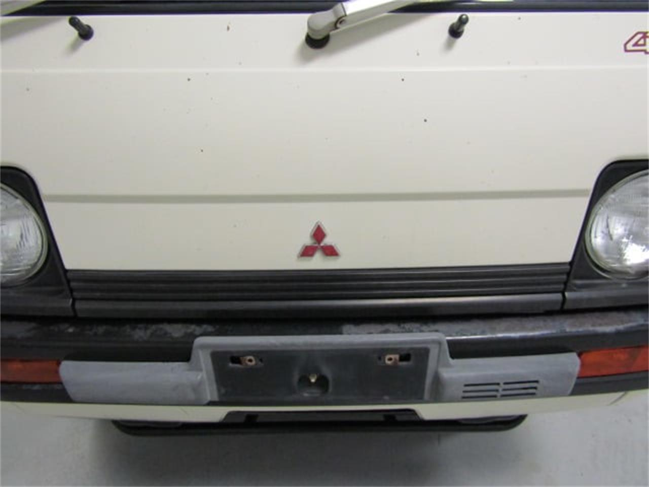 Large Picture of '90 Mitsubishi MiniCab located in Christiansburg Virginia - L2SQ