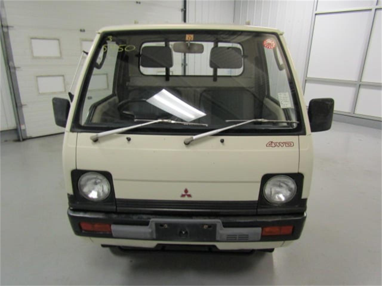 Large Picture of '90 Mitsubishi MiniCab located in Christiansburg Virginia Offered by Duncan Imports & Classic Cars - L2SQ