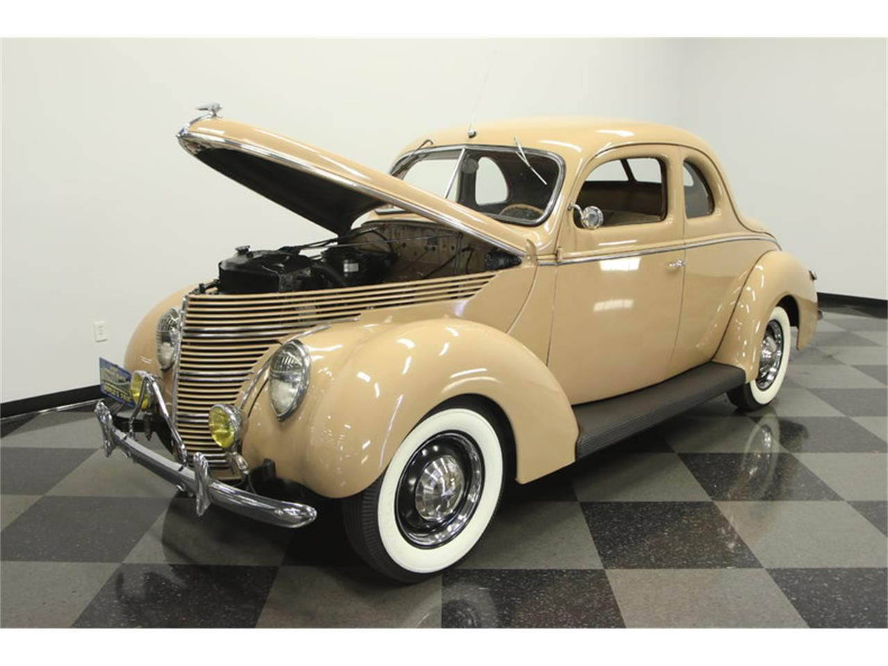 Large Picture of '39 Deluxe - L2TZ